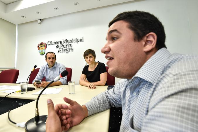 Ampliação dos serviços dos caps para dependentes quimicos. Presença da SMS e Associação São Carlos. Giovani Abrahão Salim Junior