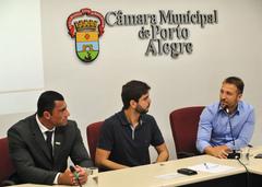 Primeira reunião da Comissão Especial de Revisão Legislativa. Na foto, os vereadores,  Comissário Rafão Oliveira, Felipe Camozzato e Mendes Ribeiro (ao microfone).