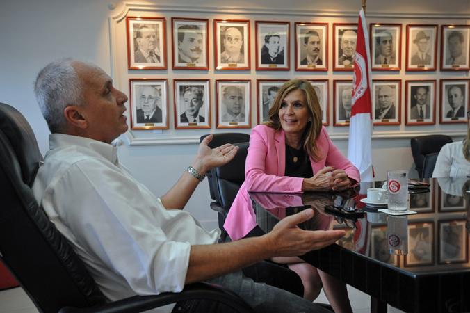 Presidente Mônica Leal visita o Presidente do Sport Club Internacional Marcelo Medeiros.