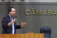 Movimentação de Plenário. Na foto: vereador Moisés Barbosa