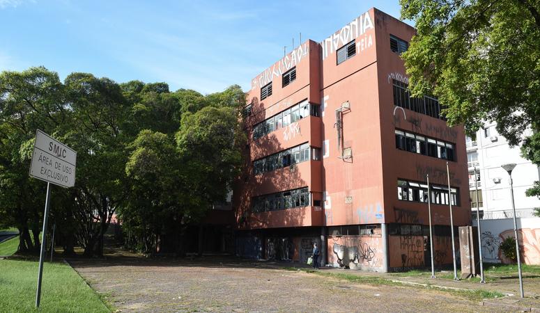 Imóveis desocupados, antigo prédio da SMIC. SFCMPA