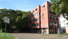 Antigo prédio da Smic, na entrada do túnel da Conceição