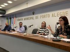 Jorge Brasil (SMDSE), vereador Claudio Janta (Solidariedade), Dra. Cristiane Stracke (SMS) e Claudia Amaral (SMED), na Frente Parlamentar em Defesa dos Direitos do Autista.