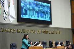 Maria Inês Schultz, da ACM, destacou na tribuna do Plenário Otávio Rocha a trajetória da entidade