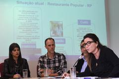 Restaurante Popular. Na foto: vereadora Fernanda Jardim, vereador Marcelo Sgarbossa, Diretor Geral de Direitos Humanos da Prefeitura Dario Pereira e nutricionista Vanuza Rosa.