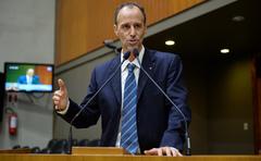 Movimentação de plenário. Na foto: vereador Marcelo Sgarbossa.
