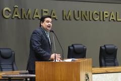 Movimentações de plenário. Vereador Professor Wambert na tribuna