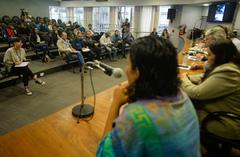 Reunião para debater  o corte no fornecimento de água da ocupação Baronesa do Gravataí.