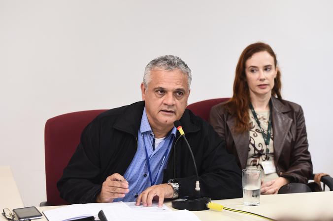 Reunião sobre a conclusão da reforma das salas da EMEI Dr. Walter Silber, segundo emenda aprovada na LOA. Na foto, representantes da Prefeitura