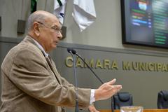 Movimentação de plenário. Na foto: vereador Reginaldo Pujol.(Foto: Débora Ercolani/CMPA)