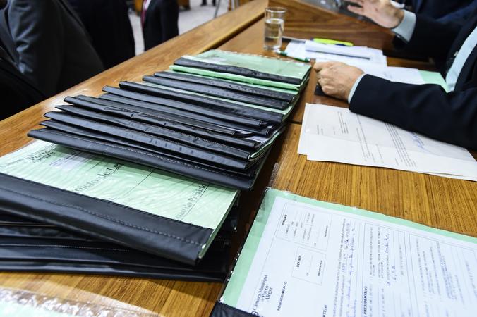 Movimentação de plenário. Projetos a serem votados.