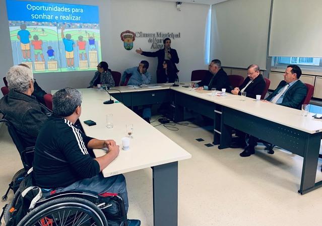 Clube Social Pertence e Residencial Viver foram as entidades convidadas na reunião da Frente Parlamentar em Defesa dos Direitos do Autista