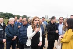 Presidente Mônica Leal participa do ato de descerramento da placa denominativa da Avenida Pedro Américo Leal.