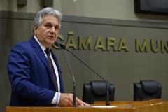 Movimentação de plenário. Na foto, vereador Nelcir Tessaro.