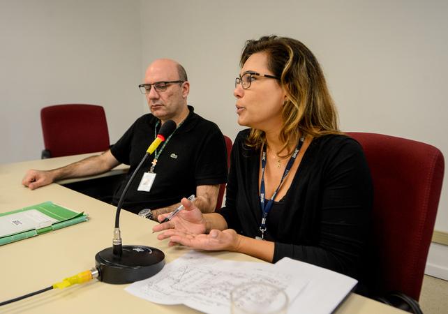 Comissão debate a regularização da praça na Vila Davi Canabarro. Na foto, a Sra. Ruth Feijó, representando o DMAE.