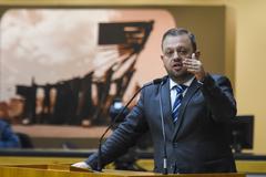 Movimentação de Plenário. Na foto: vereador André Carús