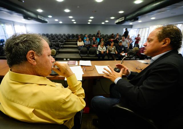 Comissão se reúne para debater as  condições das estradas e vias da região extremo sul de Porto Alegre. Na foto, os vereadores Paulinho Motorista e Dr. Goulart.