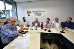 Walter Barcellos (e), da Aspertáxi, considerou frustrante a falta de solução efetiva do governo