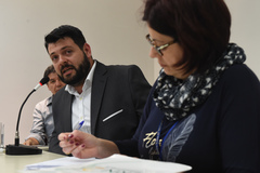 Suspensão dos vales assistenciais a estudantes com necessidades especiais. Ao microfone, gerente de relacionamento da EPTC, Alexandre Borck.