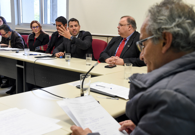 Comissão discute a Reforma Tributária. Ao microfone, o Secretário Municipal da Fazenda, Leonardo Busatto.