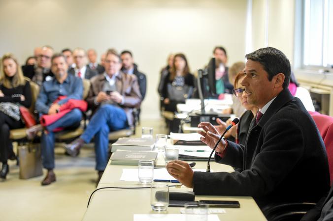 Comissão discute a Reforma Tributária. Ao microfone, Fabrício Dameda, representando a SMF.