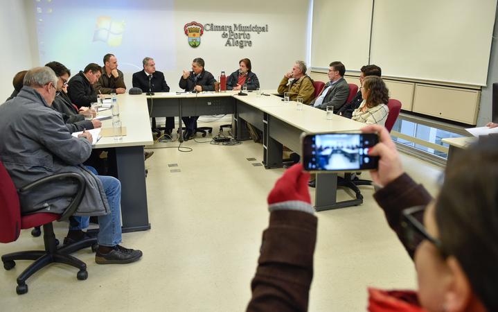 Reunião de Instalação da Comissão Especial para discutir a regulamentação das feiras orgânicas no município de Porto Alegre.