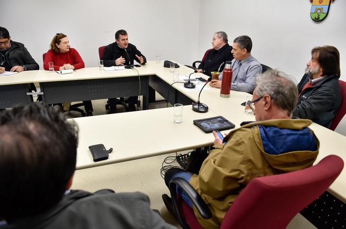 Reunião de Instalação da Comissão Especial para discutir a regulamentação das feiras orgânicas no município de Porto Alegre. Na foto, Ari Henrique Uriartti, representando a Emater/RS.