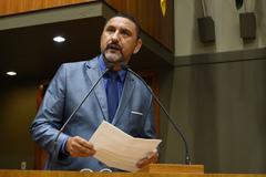 Vereador Cláudio Conceição na tribuna do Plenário Otávio Rocha