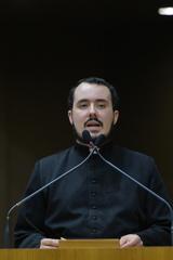 Divulgação e convite para a 34ª Festa de São Cristóvão. Na foto, padre Filipe Maciel Pereira.