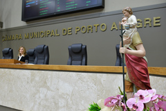 Divulgação e convite para a 34ª Festa de São Cristóvão. Na foto, presidente da Câmara Mônica Leal.