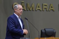 Ciro Gomes fez uma saudação aos vereadores durante a sessão