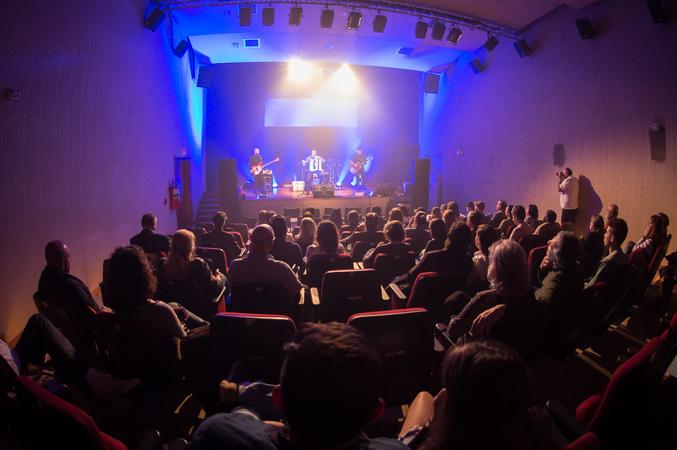 Show The Beatles no Acordeon, na V Mostra de Artes Cênicas e Música do Teatro Glênio Peres