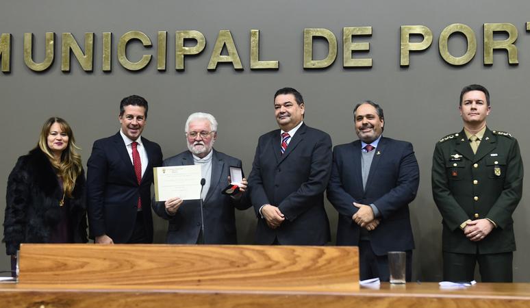 Sessão Solene de outorga da Comenda Porto do Sol à Universidade do Vale do Rio dos Sinos - Unisinos.