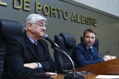 Castilhos (e) e o vereador Mendes Ribeiro (d) que presidiu parte dos trabalhos na trade desta quinta-feira