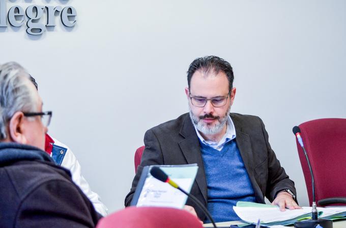 Comissão trabalha na apreciação de pareceres e na aprovação de redações finais. Na foto, o vereador Ricardo Gomes.