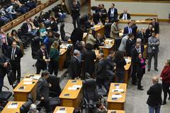 Movimentação em Plenário nesta segunda-feira