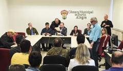 José Antônio Guimarães (ao microfone) falou sobre dificuldades enfrentadas diariamente pelos deficientes