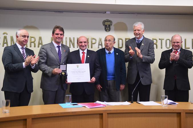 Sessão Solene para a concessão de título de Cidadão de Porto Alegre a Sérgio Afonso Manica