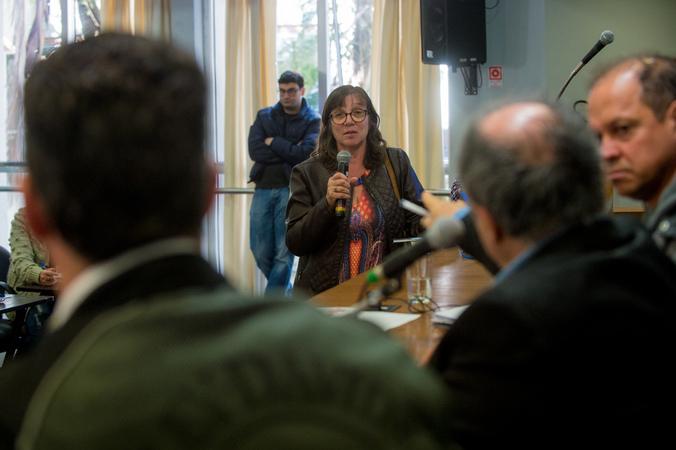 Comissão discute os despejos das famílias no bairro Bom Jesus.