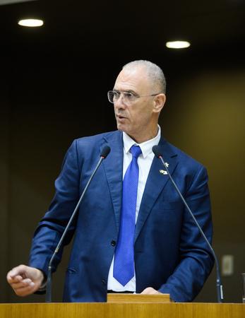 Outorga do Troféu Câmara Municipal de Porto Alegre ao Embaixador de Israel no Brasil, Senhor Yossi Shelley. Na foto: Embaixador Yossi Shelley.