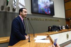 Sessão Solene de outorga do Título de Cidadão de Porto Alegre a Ubiratan David Sanches Fernandes. Na foto, vereador Moisés Barboza, proponente