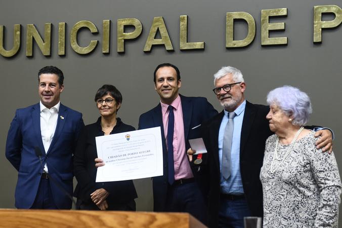Sessão Solene de outorga do Título de Cidadão de Porto Alegre a Ubiratan David Sanches Fernandes.