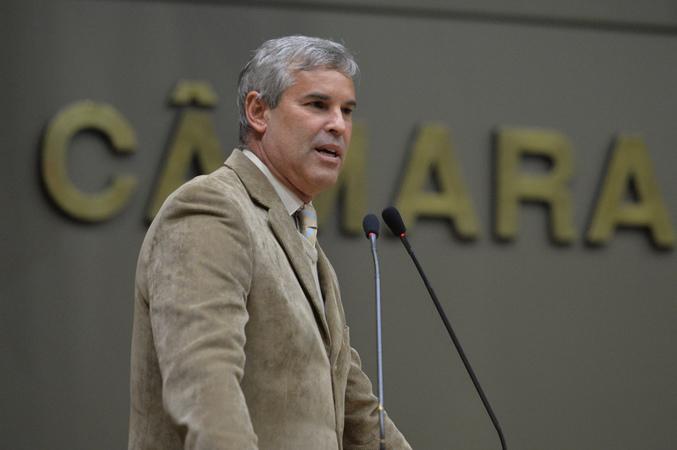 Movimentação de plenário. Na foto, vereador Mauro Pinheiro.
