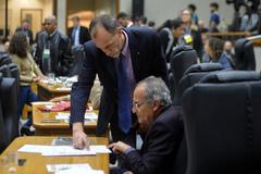Movimentação de plenário. Na foto, vereadores Marcelo Sgarbossa e Airto Ferronato.