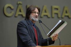 Movimentação de plenário. Na foto, vereador Aldacir Oliboni.