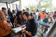 Estudantes buscam apoio para mater meio passe escolar.