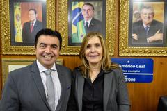 Omar Tomalih (PSB) e Mônica Leal (PP)