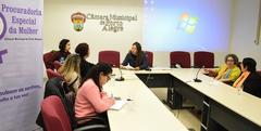 Movimentos de mulheres estiveram reunidos nesta quinta-feira para discutir ações contra feminicídio
