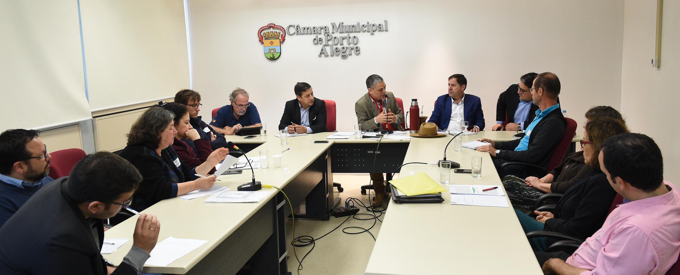 Comissão das feiras se reuniu na manhã desta quinta-feira
