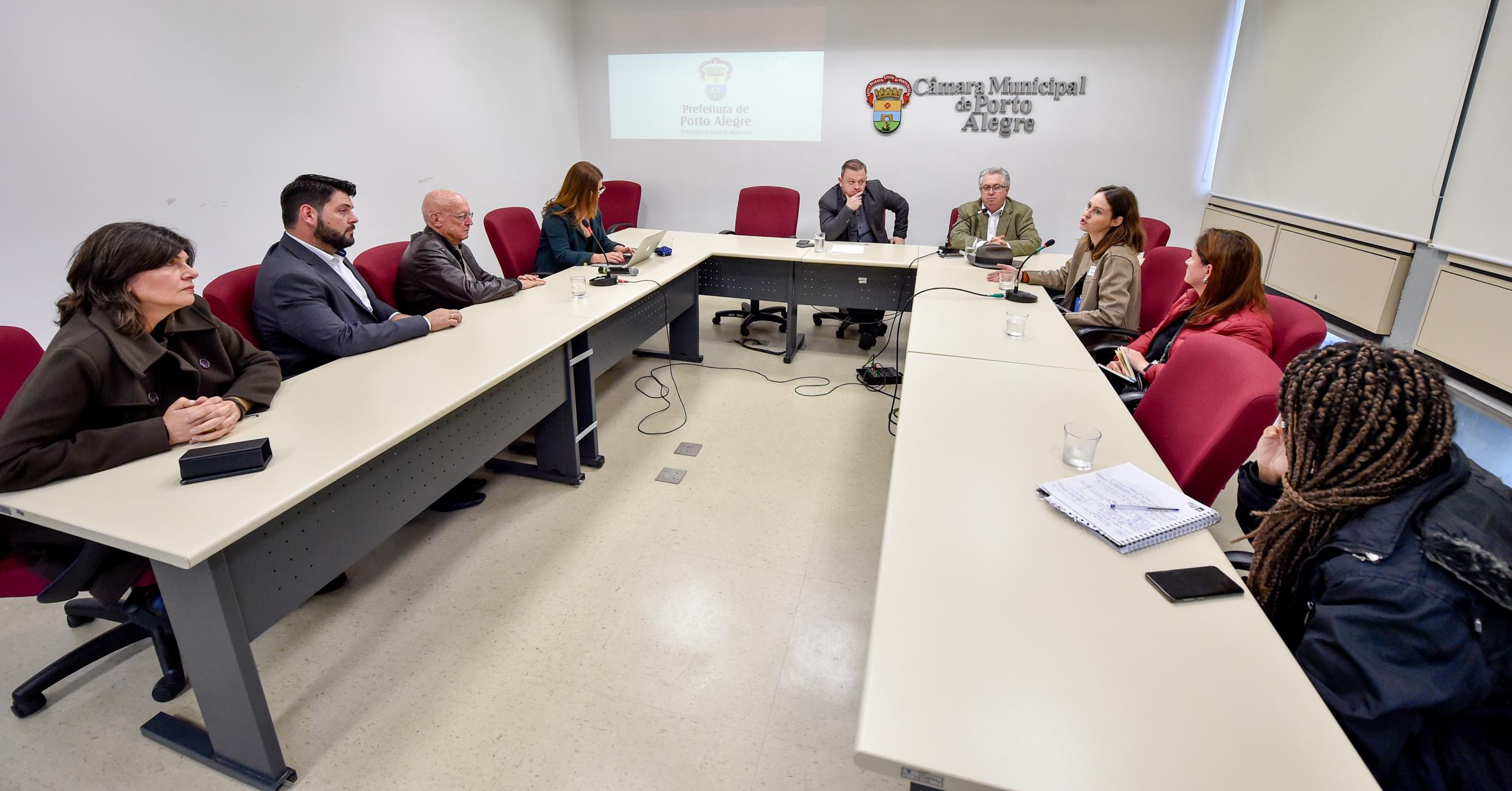 Comissão Especial ouve PGM sobre o levantamento dos Prédios Abandonados em Porto Alegre